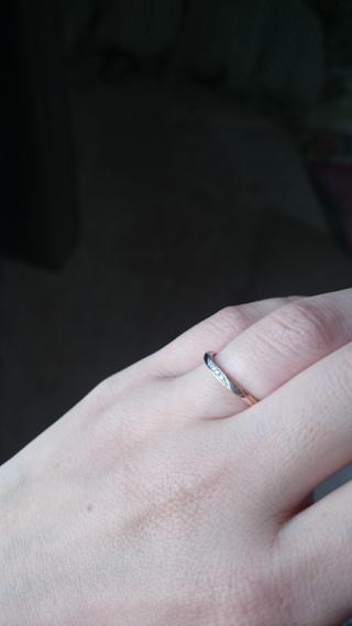 【俄(にわか)の口コミ】 指輪のブランドに詳しくなかった為、「結婚指輪 にランキング」などで検索…