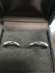 【CHER LUV(シェールラブ)の口コミ】 夫婦共に普段あまり指輪等のアクセサリーを着ける習慣がなかったので、出来…