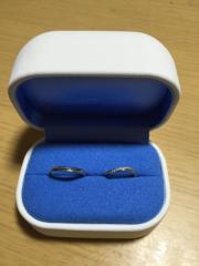 【銀座ダイヤモンドシライシの口コミ】 ウエーブの形でダイヤがついているデザインが初めから気になっていて、何…