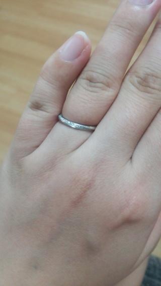 【銀座ダイヤモンドシライシの口コミ】 指輪の決め手は、どこから見てもダイヤモンドがキラキラ光って見えること。…