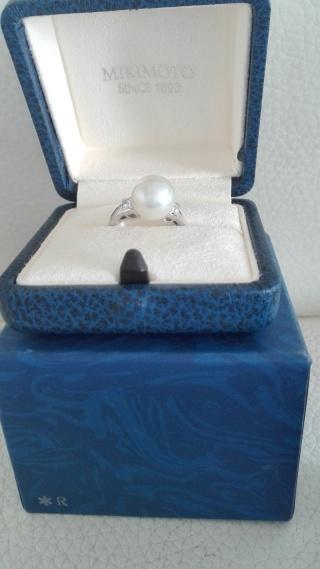 【MIKIMOTO(ミキモト)の口コミ】 婚約指輪として真珠の指輪を希望していました。冠婚葬祭にも幅広く使えるの…