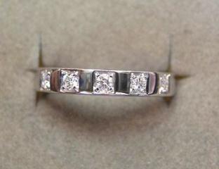 【ブルガリ(BVLGARI)の口コミ】 指輪については、国産のものも検討をしましたが、サイズが合わないため(デ…
