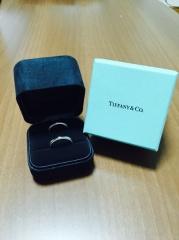 【ティファニー(Tiffany & Co.)の口コミ】 シルバー結婚指輪を探していました。デザインも太めのものから細めのもの…