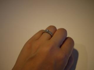 【ブルガリ(BVLGARI)の口コミ】 結婚指輪と婚約指輪を同時に探していましたが、この指輪に一目惚れし、婚…