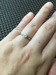 【LUCIE(ルシエ)の口コミ】 ショップで販売しているダイアモンドを選んで、ルシエのリングで作成する事…