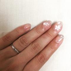 【4℃(ヨンドシー)の口コミ】 結婚指輪の購入ということで、毎日身につけるものになるのでシンプルで、そ…