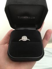 【ティファニー(Tiffany & Co.)の口コミ】 昔から一粒ダイヤではなくデザインのある婚約指輪がいいなと思っていました…