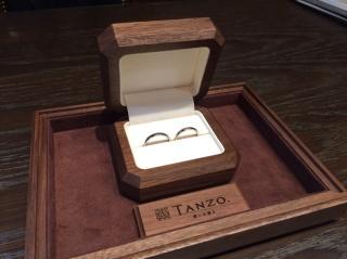 【TANZO(タンゾウ)の口コミ】 せっかくの結婚指輪なので、丈夫な物をと思い決めました。 どんな所でどの…