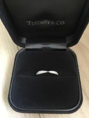 【ティファニー(Tiffany & Co.)の口コミ】 婚約指輪をティファニーで購入する事を決めたので、合わせてティファニーの…