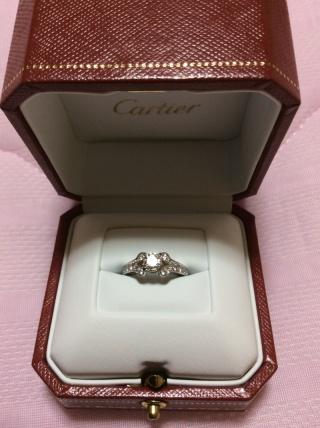 【カルティエ(Cartier)の口コミ】 本当は他のブランドの指輪でほぼ決まりだったのですが、、このリングをみた…