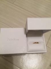 【Cafe Ring(カフェリング)の口コミ】 シンプルなデザインでイエローゴールドがあったので決めました。旦那は違…