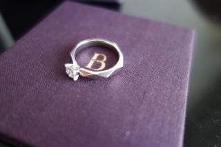 【ブシュロン(BOUCHERON)の口コミ】 ダイヤの透明感と輝きに一目惚れしました。ダイヤを個別に発注出来なかっ…