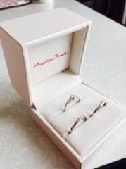 【アンジェリックフォセッテ(Angelique Fossette)の口コミ】 誕生石がダイヤということもあり、ダイヤの大きさや存在感を重視していまし…