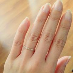 【ジュエリーツツミ(JEWELRY TSUTSUMI)の口コミ】 結婚指輪と重ね付けできて、普段使いできるダイヤモンドリングが欲しくて、…