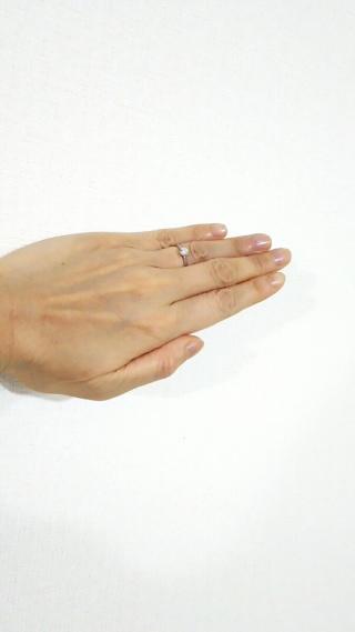 【ギンザタナカブライダル(GINZA TANAKA BRIDAL)の口コミ】 私は派手でもなく地味でもないジュエリーが好みです。この指輪はまさに私の…