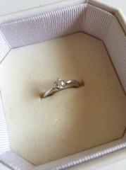 【4℃(ヨンドシー)の口コミ】 普段使いもできるようにとシンプルなデザインのものを選びました。結婚指…