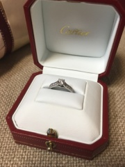 【カルティエ(Cartier)の口コミ】 購入の1年位前から、彼と一緒にいくつかのブランドをみて回りました。カル…