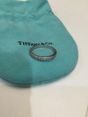 【ティファニー(Tiffany & Co.)の口コミ】 マリッジリングを選ぶ際、絶対にダイヤモンド入りを希望していました。エ…