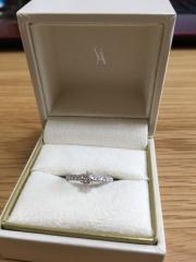 【ヴァンドーム青山(Vendome Aoyama)の口コミ】 自分の指が短く太めなので、指輪は細めのサイズ希望でした。 30代なので…