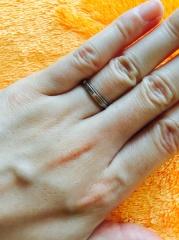 【ピアジェ(PIAGET)の口コミ】 雑誌に掲載されている数ある結婚指輪の中から、2つの輪が重なってできてい…