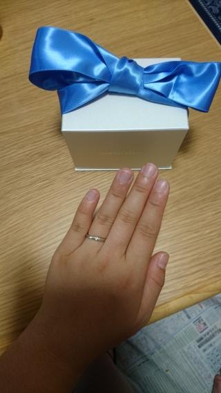 【銀座ダイヤモンドシライシの口コミ】 婚約指輪を探しているときにダイヤモンドシライシさんの店舗にかざってある…