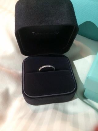 【ティファニー(Tiffany & Co.)の口コミ】 他の店舗も検討しましたが、一番ダイヤの輝きが綺麗でした。180度ダイヤが…