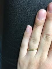 【ティファニー(Tiffany & Co.)の口コミ】 結婚指輪はティファニー!!と決めていたので、私の肌の色に馴染んだゴー…