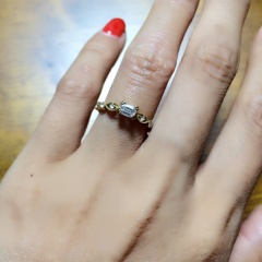 【ORECCHIO(オレッキオ)の口コミ】 婚約指輪と言えば、ブリリアントカット。という感じでブリリアントカット…