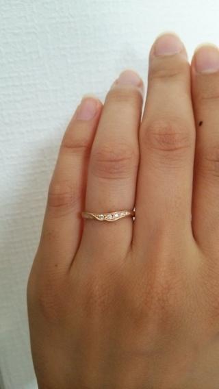 【俄(にわか)の口コミ】 ピンクゴールドのリングで、尚且つシンプルなのに細やかに手の込んだデザイ…