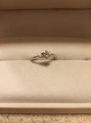 【アンジェリックフォセッテ(Angelique Fossette)の口コミ】 ダイヤとリングが店一面に展示されており、自分の好きな組み合わせでオリジ…