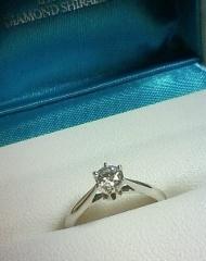 【銀座ダイヤモンドシライシの口コミ】 他のブランドをいくつか検討しましたが、デザイン料ばかり高くてダイヤの質…
