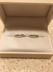 【アンジェリックフォセッテ(Angelique Fossette)の口コミ】 婚約指輪も同じブランドで決めたので、重ね付けできて、自分の指に合うもの…