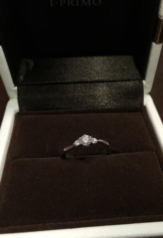 【アイプリモ(I-PRIMO)の口コミ】 婚約指輪としての華やかさがありつつ、上品でシンプルなデザインでとても…