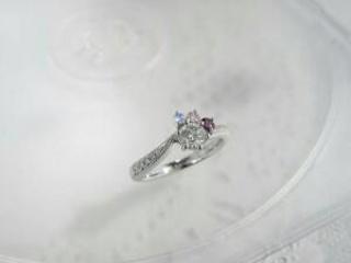 【ジュエリームナカタ(Jewelry MUNAKATA)の口コミ】 有名ブランドの指輪も何店舗か見に行きましたが、やはり世界に唯一の婚約指…