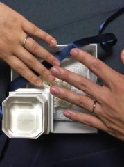 【4℃(ヨンドシー)の口コミ】 以前、ペアリングを購入経験があり、カーブの指輪を持っていたので、ずっ…