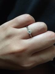 【エクセルコダイヤモンド(EXELCO DIAMOND)の口コミ】 友人が付けていたエクセルコダイヤモンドの婚約指輪を見て素敵だなと思い、…