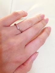 【俄(にわか)の口コミ】 毎日つけるものなのでシンプルなものを探していましたが、婚約指輪は買わな…