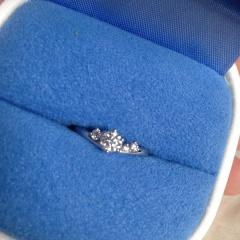 【銀座ダイヤモンドシライシの口コミ】 ブランド力とダイヤモンドの質で決めました。当日見せてもらったダイヤモ…