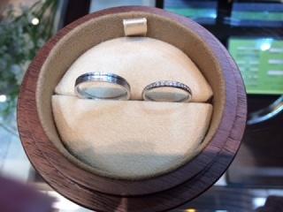 【COLANY(コラニー)の口コミ】 他のジュエリーの店を回って色々と試着しましたが、コラニーの指輪が一番…