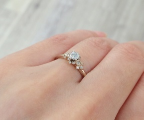 【AbHeri(アベリ)の口コミ】 色々な指輪を試着させていただきましたが、最後までこの指輪が忘れられま…