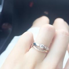 【ティファニー(Tiffany & Co.)の口コミ】 婚約指輪のティファニーの指輪を購入したので、結婚指輪もティファニーの…