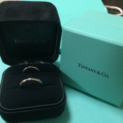 【ティファニー(Tiffany & Co.)の口コミ】 もともとプラチナでシンプルなデザインの普段から使える指輪がほしかった…