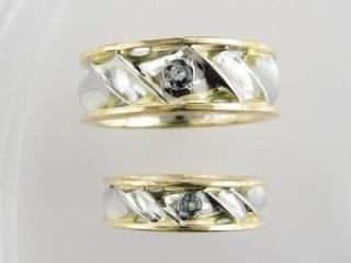 【ジュエリームナカタ(Jewelry MUNAKATA)の口コミ】 当初はカルティエのリングに憧れていた夫でしたが、フルオーダーした婚約指…