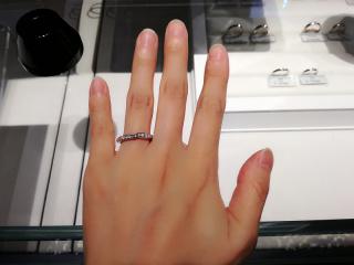 【銀座ダイヤモンドシライシの口コミ】 何といってもデザインです。ずっと王道のエタニティリングを探していたの…