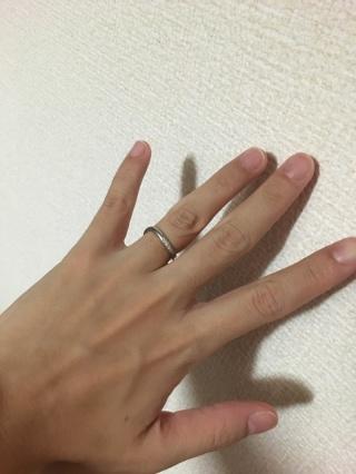 【JEWELRY  KAMATA(ジュエリーかまた)の口コミ】 細めの指輪で着けやすく、指が綺麗に見え、デザインも気に入ったので決め…