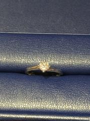 【銀座ダイヤモンドシライシの口コミ】 結婚指輪と婚約指輪の両方を探していて、今後長く使うためにセットで付け…