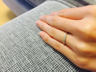 【俄(にわか)の口コミ】 数社の指輪と比較しましたが、比較的繊細なデザインのものが多く、指輪の名…