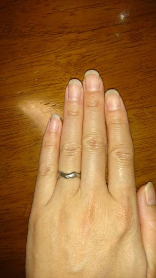 【俄(にわか)の口コミ】 まず、他人との差別化を重視しました。 指輪を購入した当時は婚約指輪との…