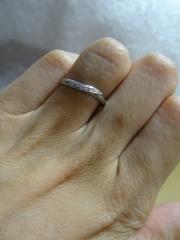 【アイプリモ(I-PRIMO)の口コミ】 初めて行ったブライダルリングショップだったのですが、シンプルかつ指に…