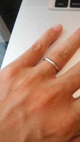 【ラザール ダイヤモンド(LAZARE DIAMOND)の口コミ】 自分の指輪はシンプルさを一番重視して選んだ。それとは別に、ペアリングと…